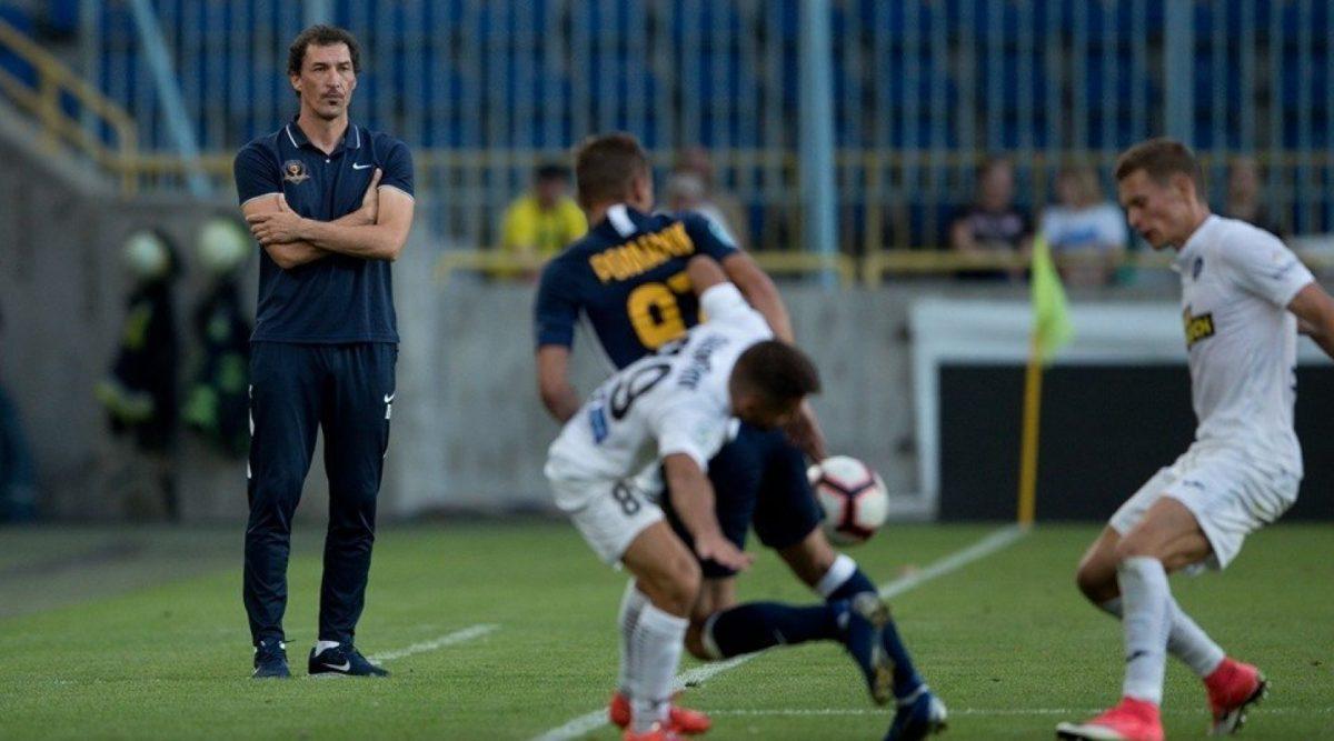 Как футбольные тренеры влияют на изменение результата в концовке игры